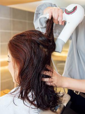 髪の乾かし方のひと工夫