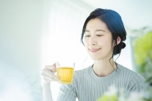 カテキンの抗菌作用と虫歯予防に効果的な緑茶うがい
