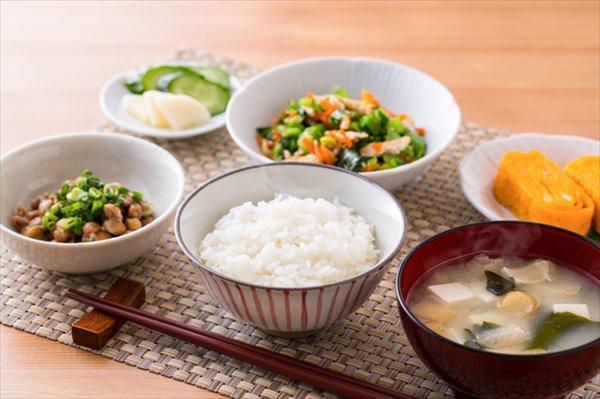 つらい更年期障害を予防するために食べ物を見直そう!