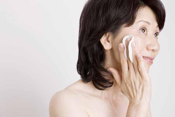 乾燥肌の原因と特徴