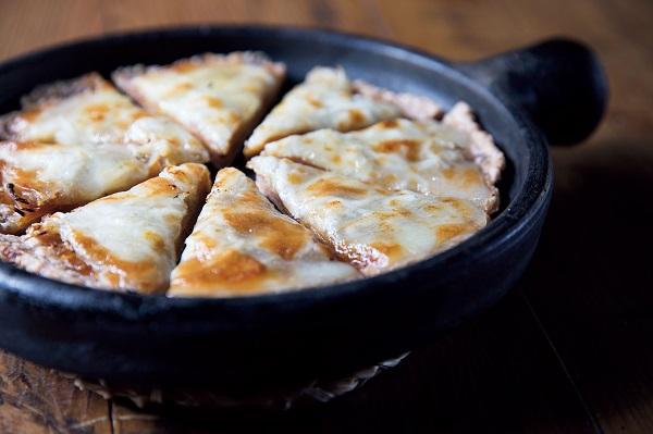 うり奈良漬の玄米ピザ