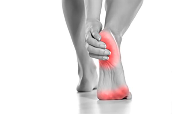 足の裏が痛い原因:魚の目やタコ