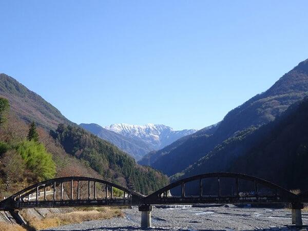 小渋川と赤石岳