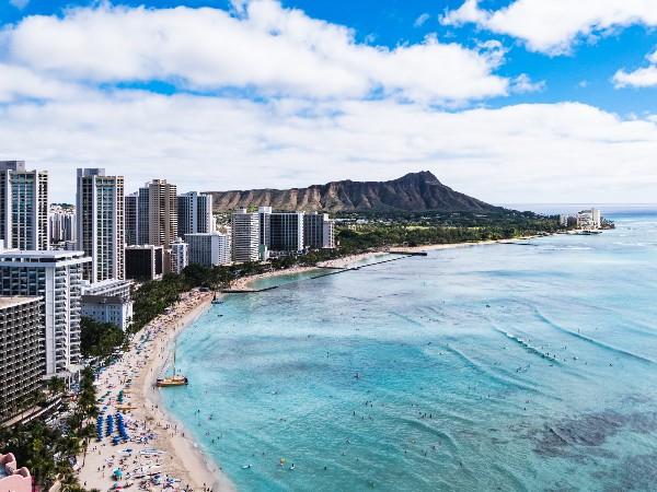 ハワイが年々日本に近づいて来てるって本当?