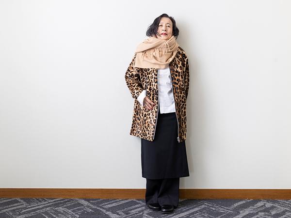 冬はコートを主役にコーディネートを考えるそう。またスカートとパンツを重ね着するのがマイブーム。