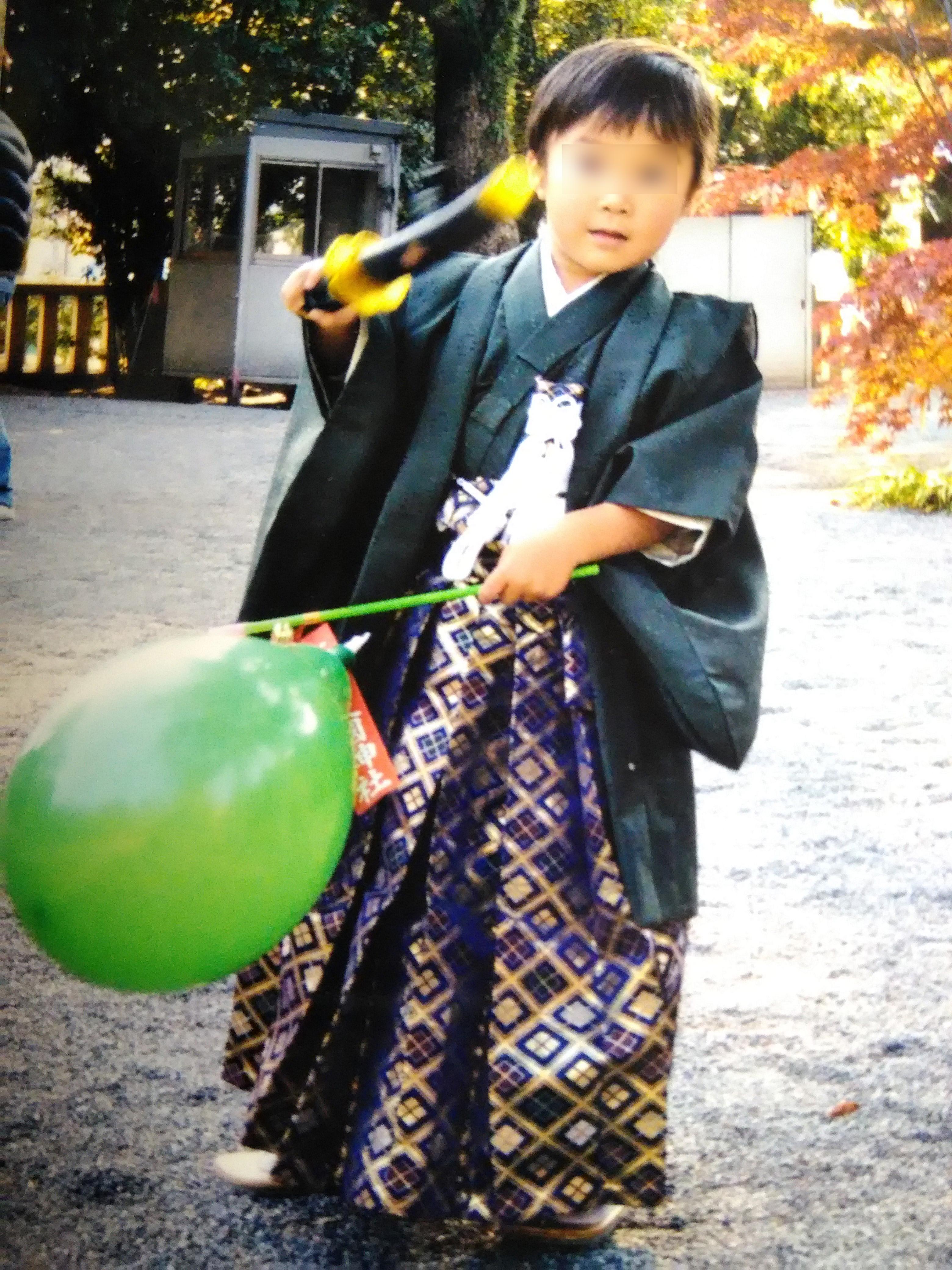 袴をつけて七五三詣り