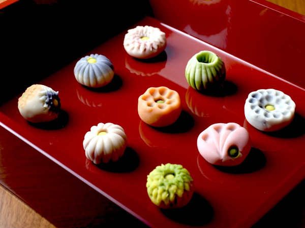 インスタ映えしそうな美しい和菓子