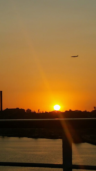 シドニーホワイトベイに沈む夕日