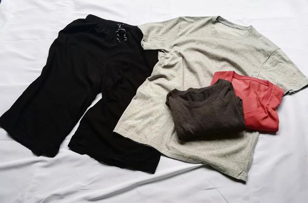 ユニクロ半袖Tシャツ