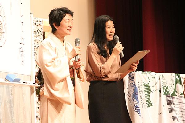 ハルメクのイベントで講演する横山タカ子さん