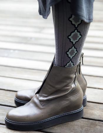 江波戸玲子さんの着こなしのコツ:ブーツ