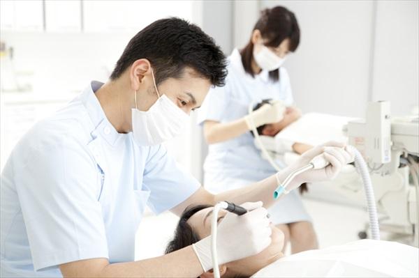 歯周病対策はセルフケアとプロのケアの2本柱で
