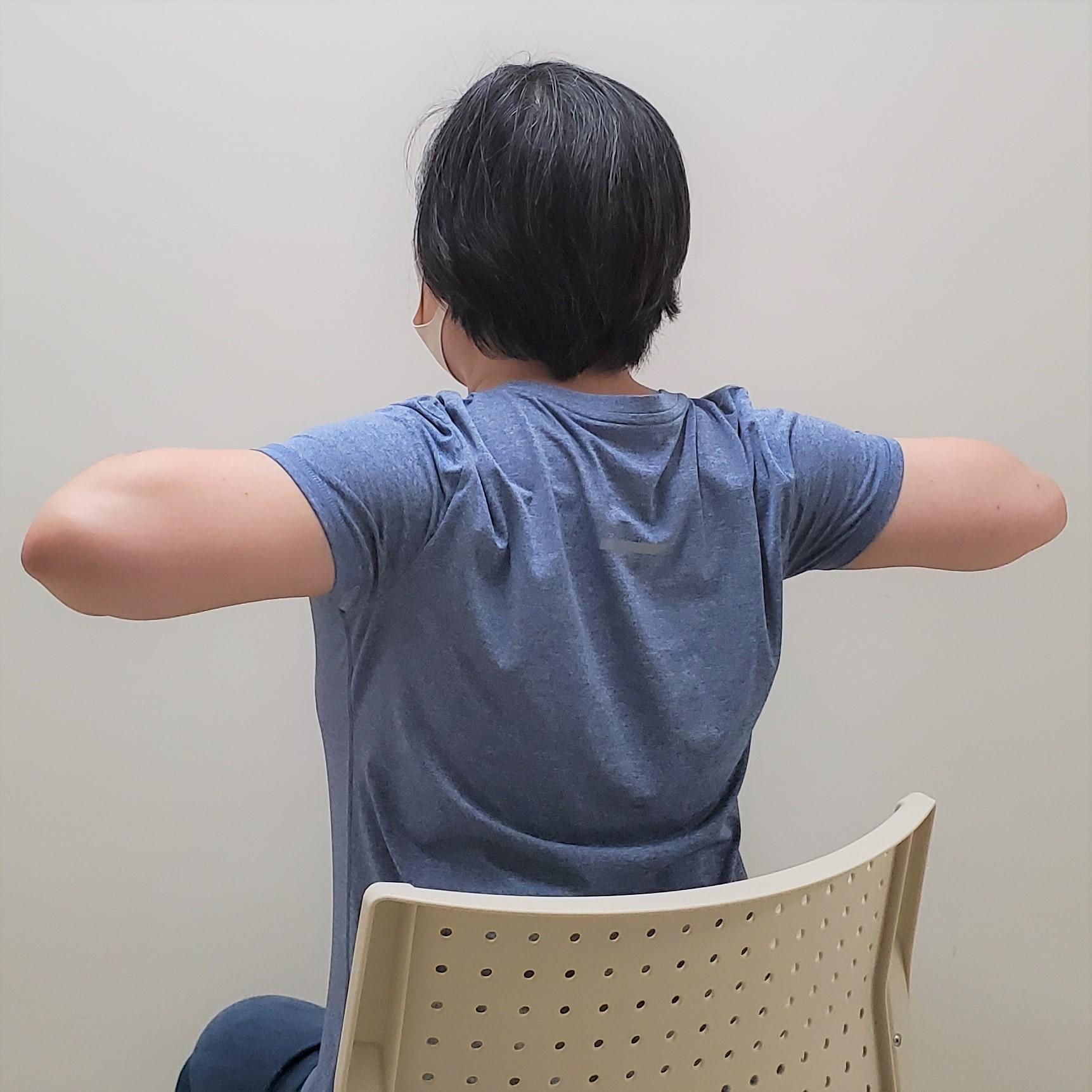 肩甲骨を正しい位置にする筋トレ2