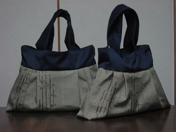 夏帯から作ったバッグ。右はサイズを少し小さくして