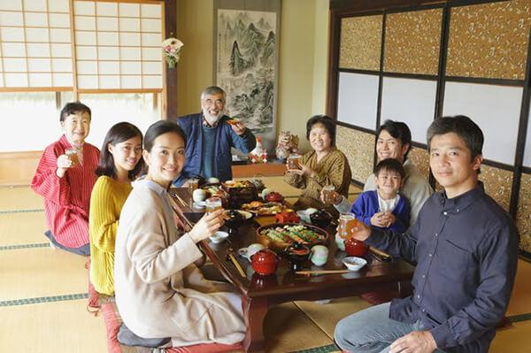 正月の集まりのイメージ