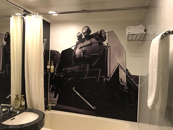お風呂場の壁にも迫力あるD51 498