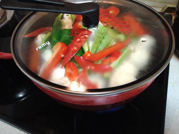 レシピ:カリフラワーとピーマンの炒め物