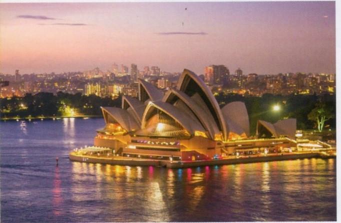 世界三大美港の一つ、シドニーのハーバーブリッジ&オペラハウス