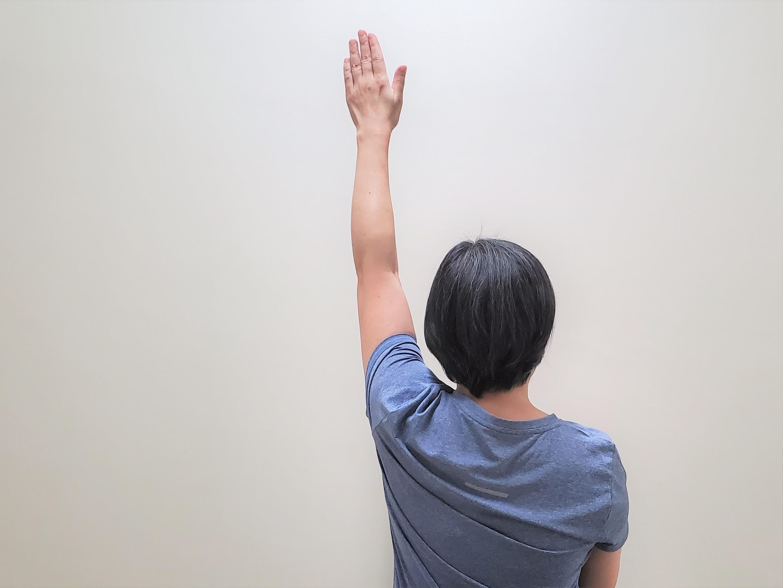肩甲骨の可動域を広げるストレッチ1