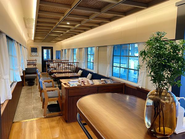キッチンレールチクゴ福岡県大川市生産のテーブルと椅子