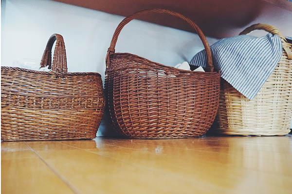 祖母が使っていたカゴバッグとフランスの蚤の市で購入したカゴバッグ