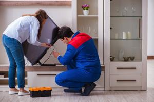テレビが壊れたら修理代が補償される保険は?