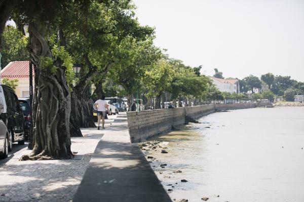 のどかな漁村風景が残るコロアン地区