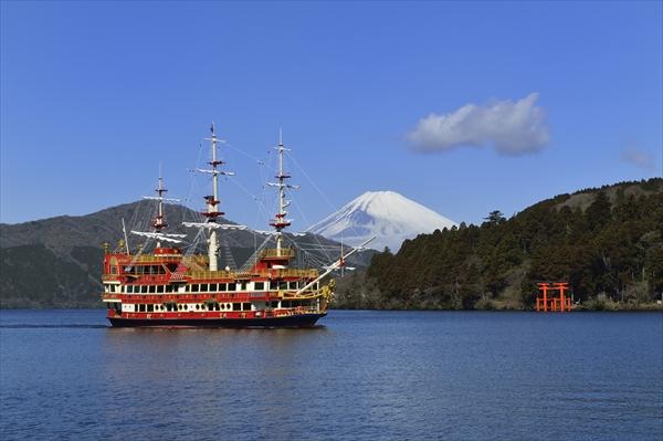 箱根芦ノ湖の遊覧船