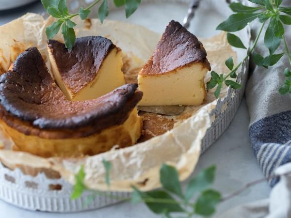 オーブン不要!アイスで作るバスク風チーズケーキとは