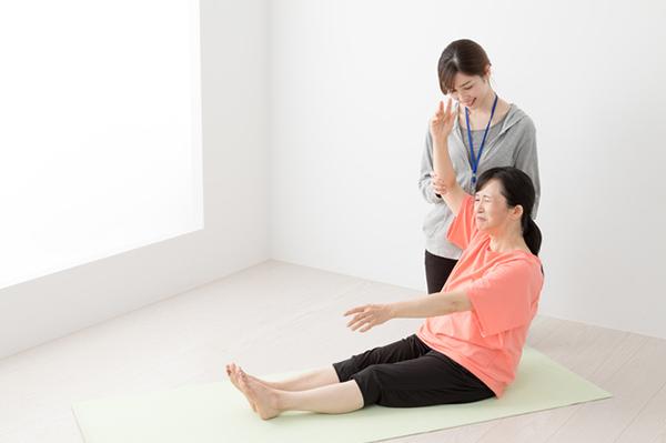 五十肩の治療は薬物療法・運動療法が基本