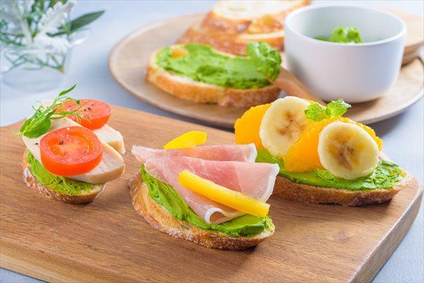 おうちカフェごはんレシピ1:抹茶クリームチーズのオープンサンド