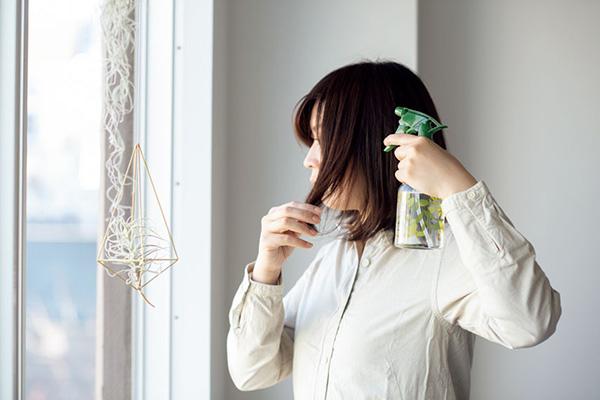 体臭改善アイデア2:朝は重曹スプレーで寝癖とニオイのケア