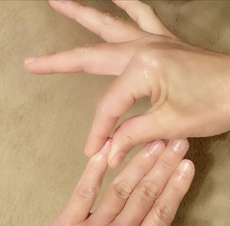 爪モミマッサージの仕方