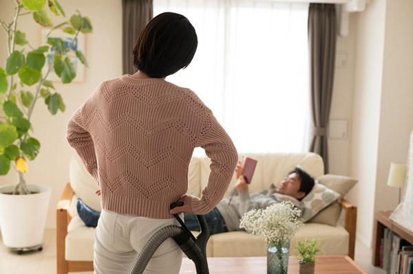 女性の家事負担