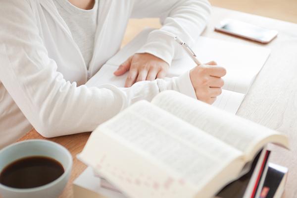 資格勉強は、シニア女性に必要か?