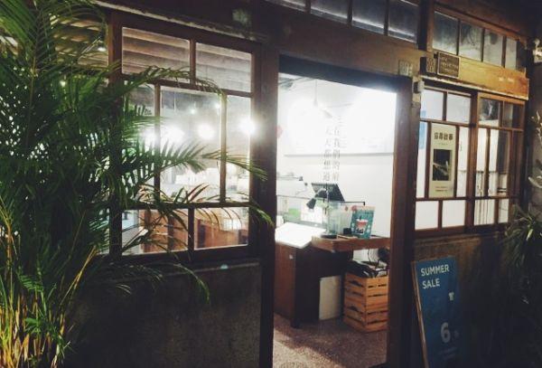 信農街のカフェ