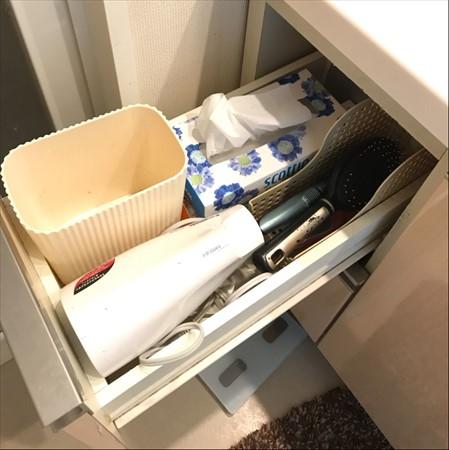 洗面所収納アイデア:引き出しには毎日使うモノを