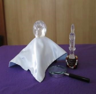 水晶は、新車の購入時、木の植え替え、伐採の時など、無事を祈る祈願や邪気払いに用います。