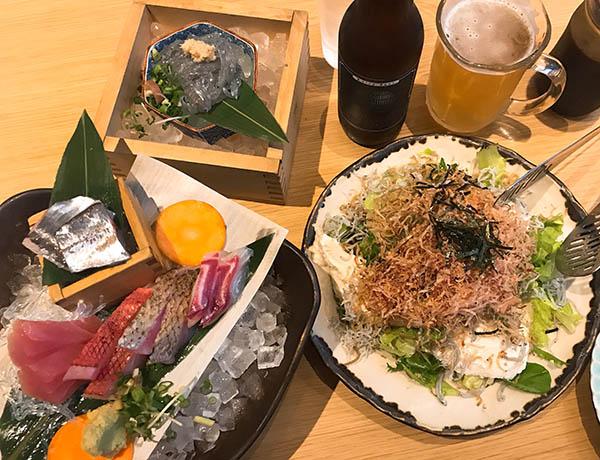 ASTY静岡の「しずバル」でクラフトビールと地魚などいただく