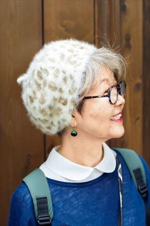内原加代子さんの着こなしのコツ:柄の帽子