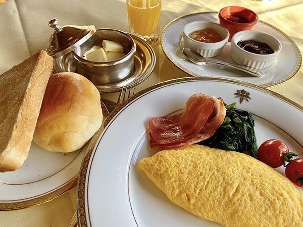ホテルの名物朝食