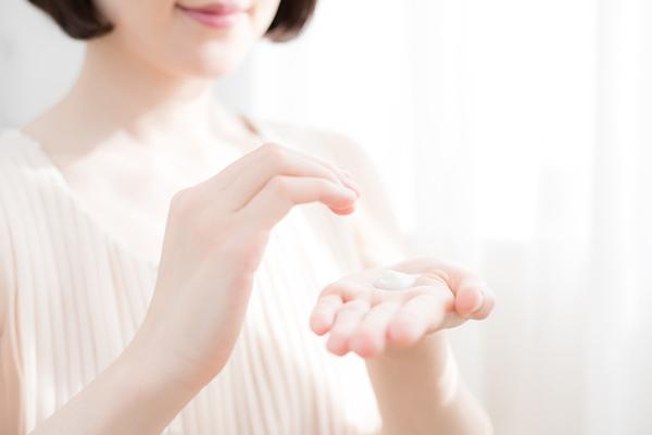 高級で効果的な美容液やクリームでも乾燥は止まらない!