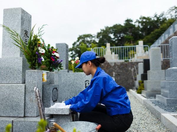 お墓を業者に頼むといくらかかるの?