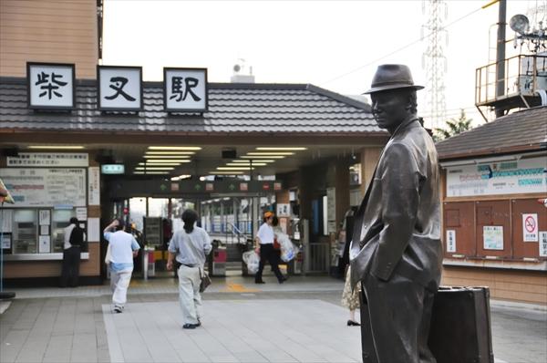 柴又の寅さんの銅像