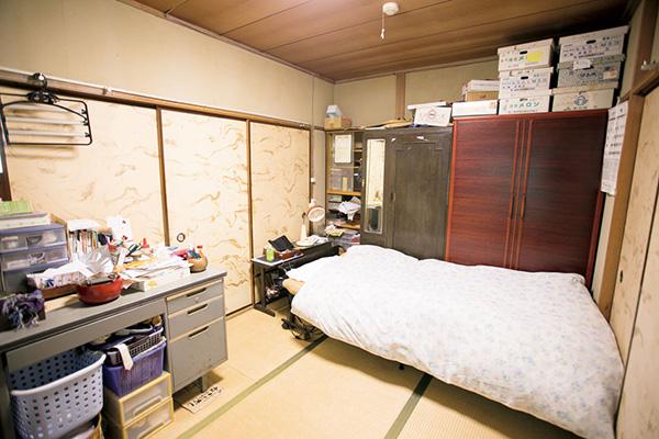 寝室の片付けビフォー画像
