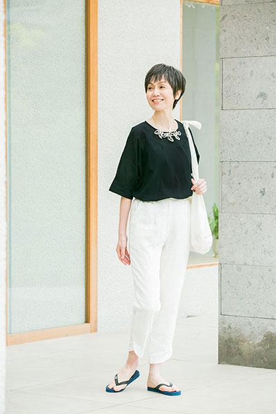 黒と白の夏の装い