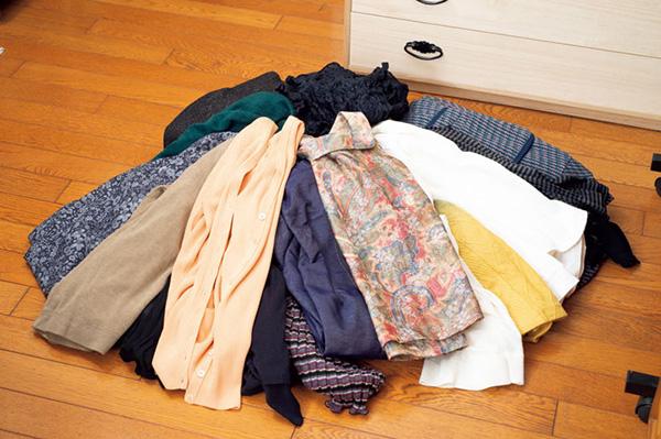 洋服を片付けたら部屋も広く快適に