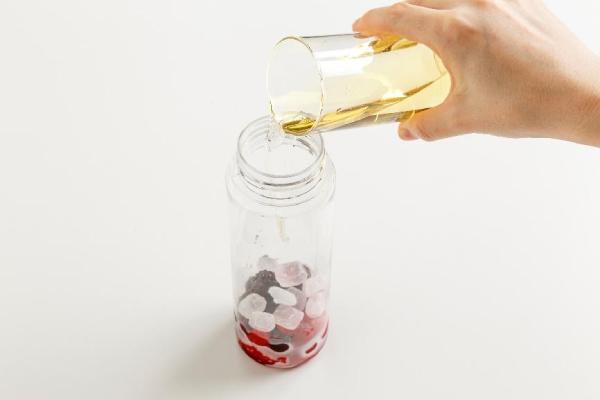 使う酢はリンゴ酢や白ワインビネガーなどがオススメ
