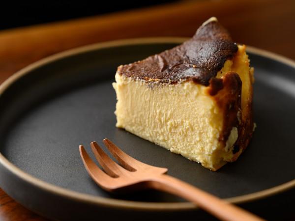 バスクチーズケーキとは