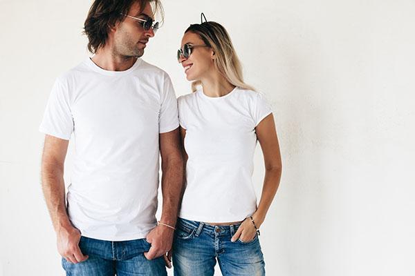 ジーンズと白Tシャツが似合う有名人は?